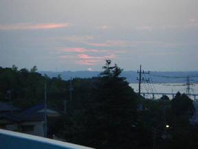 鹿島小屋上から見た夕日(17:45)