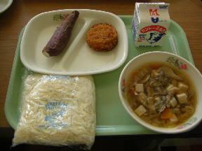 茨城県特産の食材がいっぱい 今日の給食です\