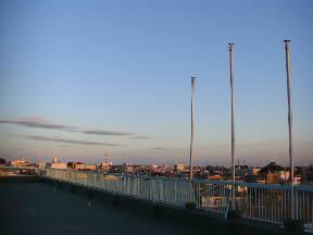 夕日に照らし出される鹿嶋市街\\