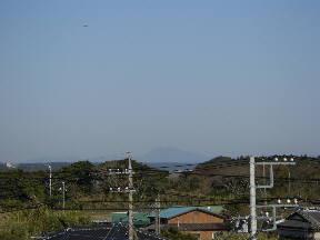 本校から見た筑波山(7:30)