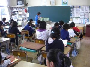 5年生の教室(7:58)