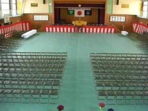 入学式会場がほぼ完成しました(11:00)