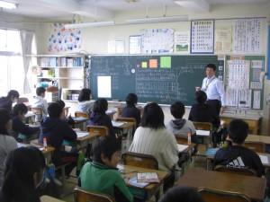 6年算数 文字を使った式について学ぶ子どもたち