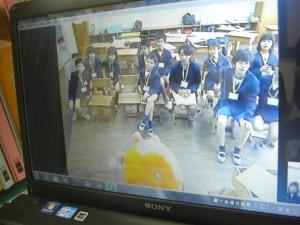 「タンカンです!」映像で紹介して下さいました。クラスでは,3名の児童のお宅でタンカンを栽培しているそうです。(13:25)
