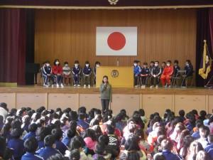 平成24年度児童会会長さんによる選挙・立会演説会の説明(8:20)