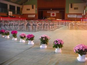 朝の卒業式会場(6:05)
