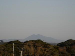 屋上からの筑波山(6:15)