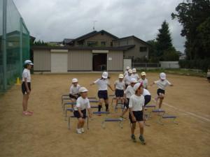 サーキットトレーニングに励む子どもたち(10:25)