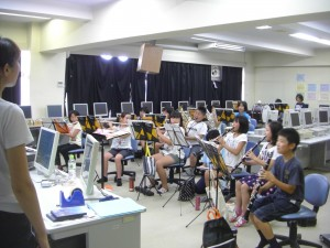 練習を進める吹奏楽部のみなさん(9:40)