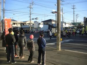 鹿島小前交差点でのあいさつ運動(7:35)