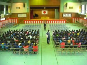 4,5年生のみなさんによる卒業式の練習(10:40)