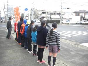 鹿島小前交差点でのあいさつ運動(7:30)