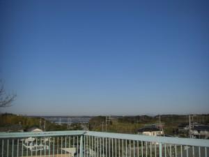 屋上から北浦方面の風景 素晴らしい青空です!(7:10)