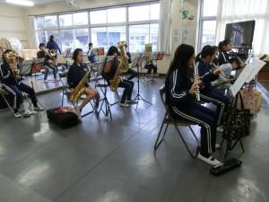 吹奏楽部の基礎練習