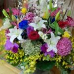 卒業式のお花はまだ元気です。\