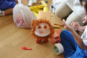1年生,図工「どうぶつむらのピクニック」 たくさんの動物ができて,楽しいピクニックになりそうですね。\\