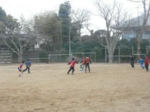サッカークラブ\
