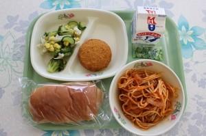 スパゲティナポリタンとポテトコロッケ