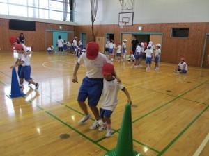 全体練習では,子ども会対抗の二人三脚の練習をしました。\