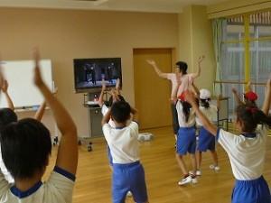低学年のダンス練習(ちびっ子エグザイル・・・)\