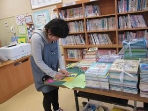 学校図書館司書の倉持先生、お仕事ご苦労様です。\