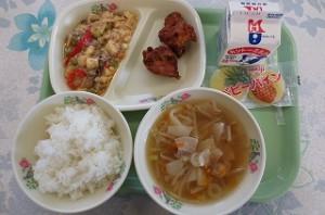 鳥から揚げと麻婆豆腐、ワンタンスープ\