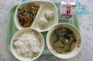 ビビンバと肉ごぼうパオス、韓国風スープ\