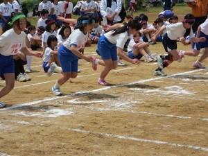 100m女子スタートです。負けないぞ!\
