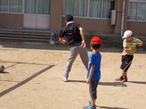 サッカーで越川先生と挑戦!!!\