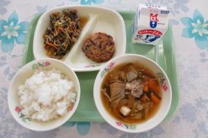 ビビンバ丼とチヂミ、キムチスープ\