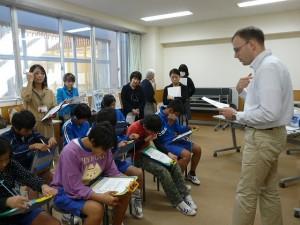 6年生の英語学習の様子\