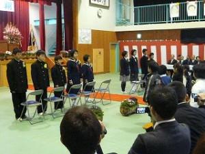 9名の卒業生の巣立ち