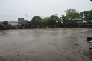10時半頃,このすごい雷雨の中,井坂先生が食育の授業に来て下さいました。\