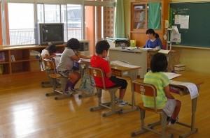 授業参観3年生「海をかっとばせ」\