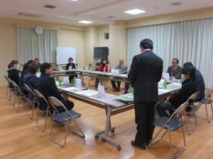 昨日の夜行われた「学校運営連絡協議会・学校評価委員会・学校防災連絡会議」です。児童・保護者・教師による学校評価のためのアンケート結果について話し合いが行われました。\