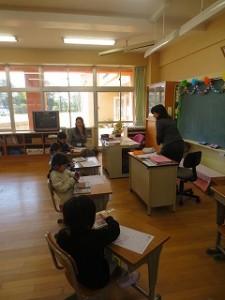 1年生国語「うたにあわせてあいうえお」の授業でした。\