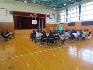 PTA総会です。PTA会員36名(教職員を除く)で一般席に29名の方が座っていらっしゃいました。\