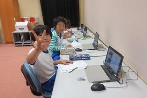 3年生が学校の周りの歴史について勉強しています。\