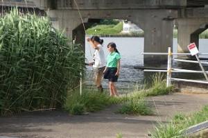 「北浦+一の鳥居通り」クラブで釣りをしました。25㎝のニゴイと30㎝のナマズの顔を見ました。\\