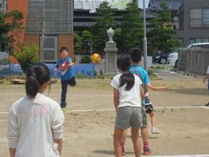 今週はドッジボールをする班があります。\\