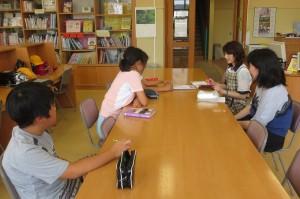 7月の活動を確認しました。前半は「読書スタンプラリー」をして,後半は「夏休みの図書貸出」をするそうです。\