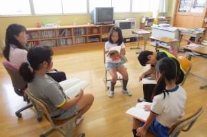 4年生は,国語,みんなで心を込めて「朗読」をしました。\