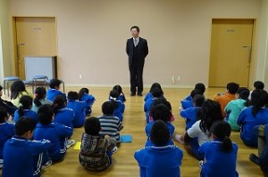 校長先生は,「夢や目標をもちましょう。その実現のために努力をしましょう。」というお話をしました。\