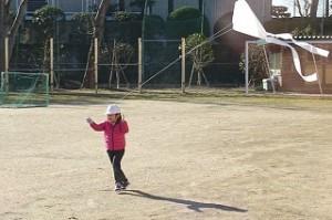 1年生の凧揚げです。可愛いです。\