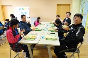今日のメニューは,麻婆豆腐・春巻き・ワンタンスープ・ごはん・牛乳のおいしい中華でした。\\\\