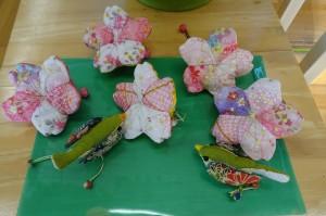 古賀さんが飾ってくださいました。「桜の花とウグイス」です。\\