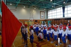 開会のことば(1年生)、選手宣誓(6年生)等、開会式のリハーサルを実施